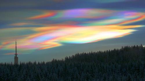 10 Mysterious Natural Phenomena around the World