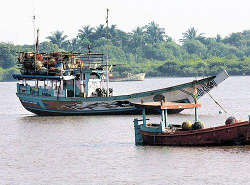 United voluntary action - Small Island in Mumbai First to Go Into ''Self-Quarantine