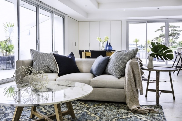 home stylist helps us to get our home decoarated